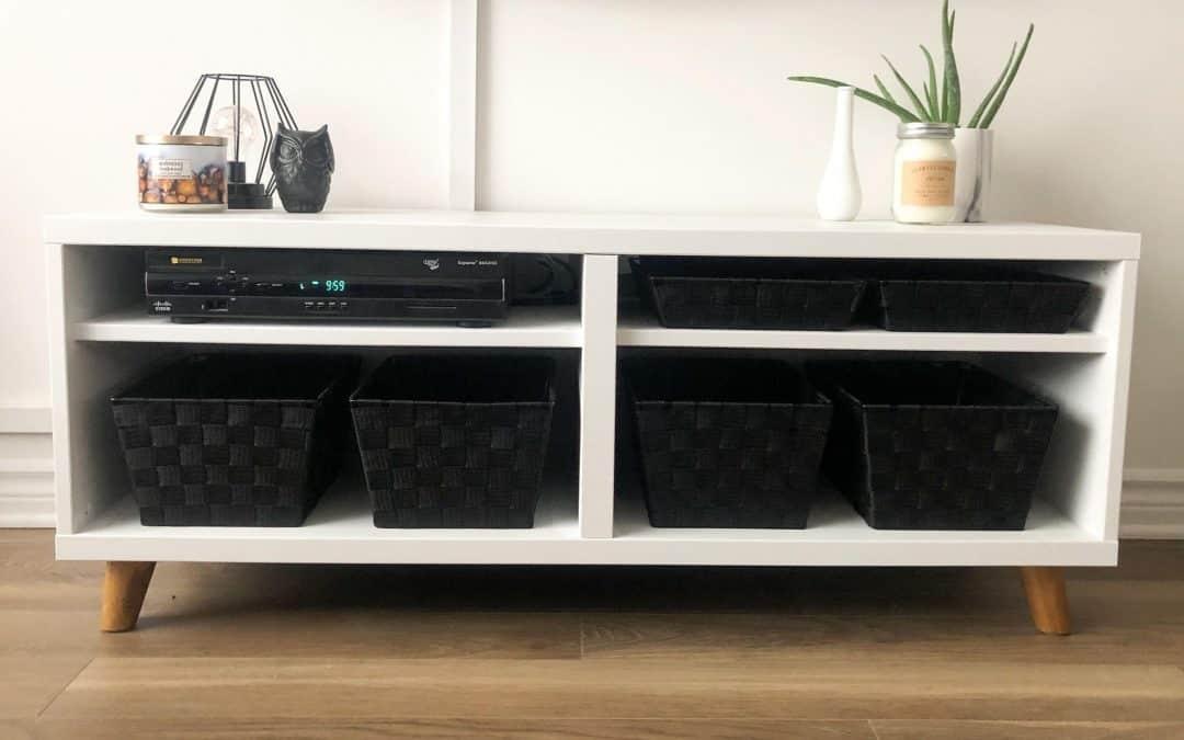 Donnez une deuxième vie à des meubles usagés – Comment peinturer un meuble de télé avec la peinture à la craie Colorantic