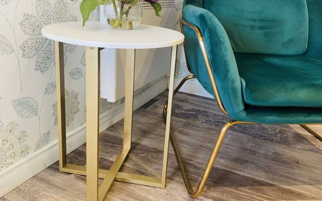 How to paint a small coffee table with Metallic paint