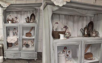 Rajeunissement d'un vaisselier avec le style farmhouse