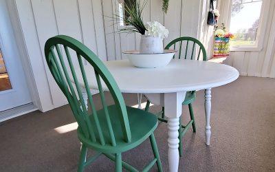 Revaloriser un petit mobilier de cuisine pour enjoliver une véranda